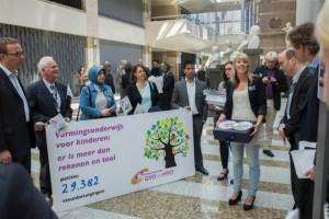 Docenten demonstreren tegen bezuinigingen vormingsonderwijs
